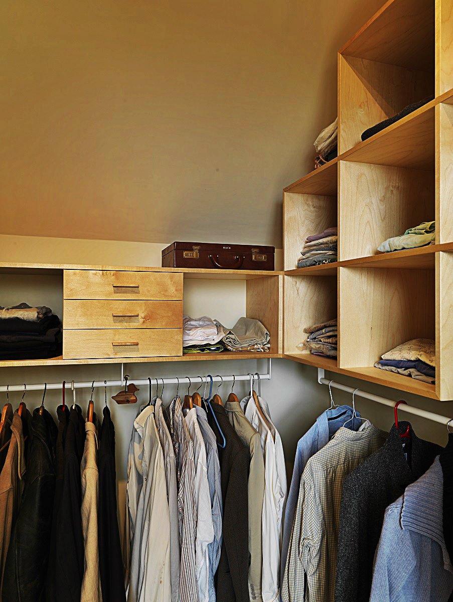 Custom Fitted Walk In Wardrobe For Glasgow Home
