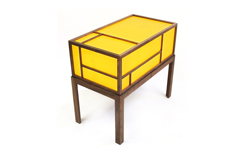The-Ginza-Side-Table