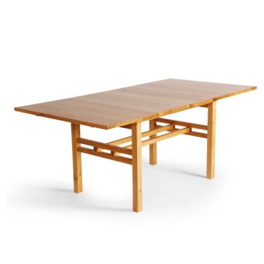 Handmade-dining-table-made-in-scotland